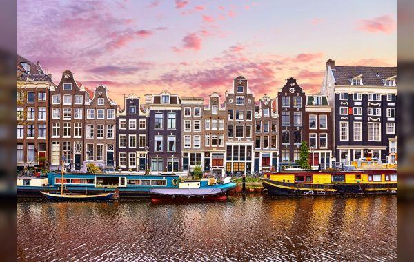 Beens Groep gaat kademuren vernieuwen in Amsterdam