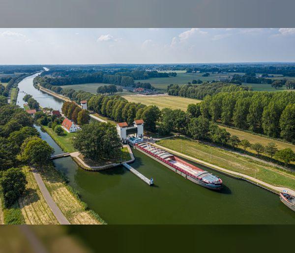 RWS gunt verruiming Twentekanalen aan de Combinatie Van Oord-Hakkers-Beens